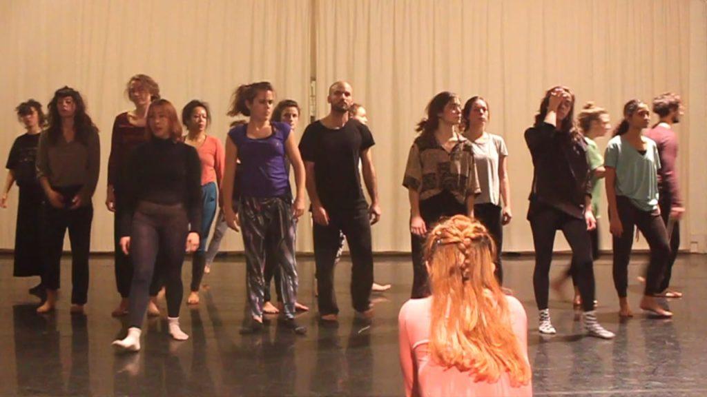 Ioulia Plotnikova / Stage - Atelier / Danse / Expressions corporelles / Création